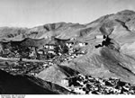 Bundesarchiv Bild 135-S-07-03-20, Tibetexpedition, Gyantse, Festungsmauer