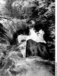 Bundesarchiv Bild 135-S-03-11-07, Tibetexpedition, Wasserfall
