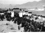 Bundesarchiv Bild 135-S-14-10-29, Tibetexpedition, Neujahrsfest Lhasa
