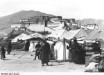 Bundesarchiv Bild 135-S-14-25-35, Tibetexpedition, Neujahrsfest Lhasa