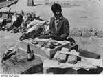 Bundesarchiv Bild 135-S-15-37-10, Tibetexpedition, Präparator
