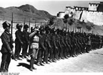 Bundesarchiv Bild 135-S-17-14-34, Tibetexpedition, Shigatse, Truppenparade