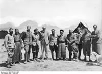 Bundesarchiv Bild 135-KA-11-008, Tibetexpedition, Expedition Zu Gast Bei Gould