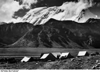 Bundesarchiv Bild 135-S-03-15-23, Tibetexpedition, Expeditionslager, Gayokang