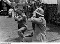 Bundesarchiv Bild 135-S-05-02-36, Tibetexpedition, Geer Und Krause Filmend