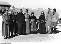 Bundesarchiv Bild 135-S-13-05-34, Tibetexpedition, Minister, Expeditionsteilnehmer